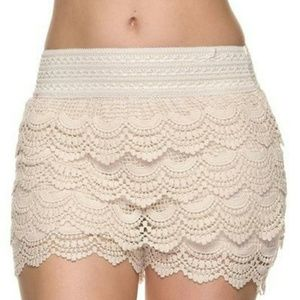 JOLT Lace Tiered Shorts || Size Small || Cream